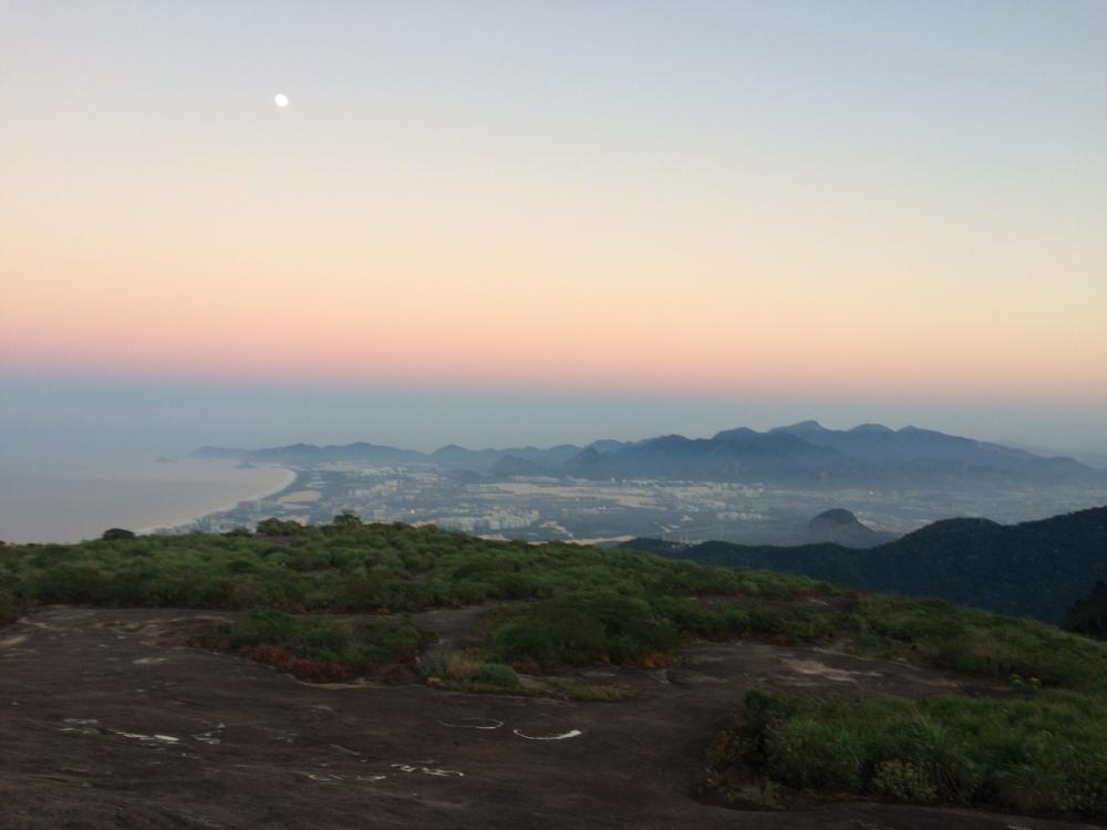 Ao amanhecer na Pedra Bonita - RJ