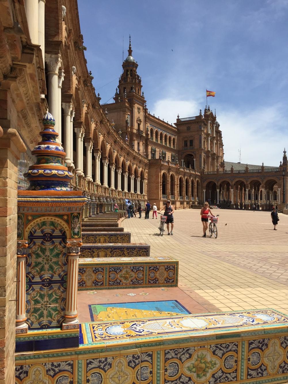 Conheça a Plaza España em Sevilha