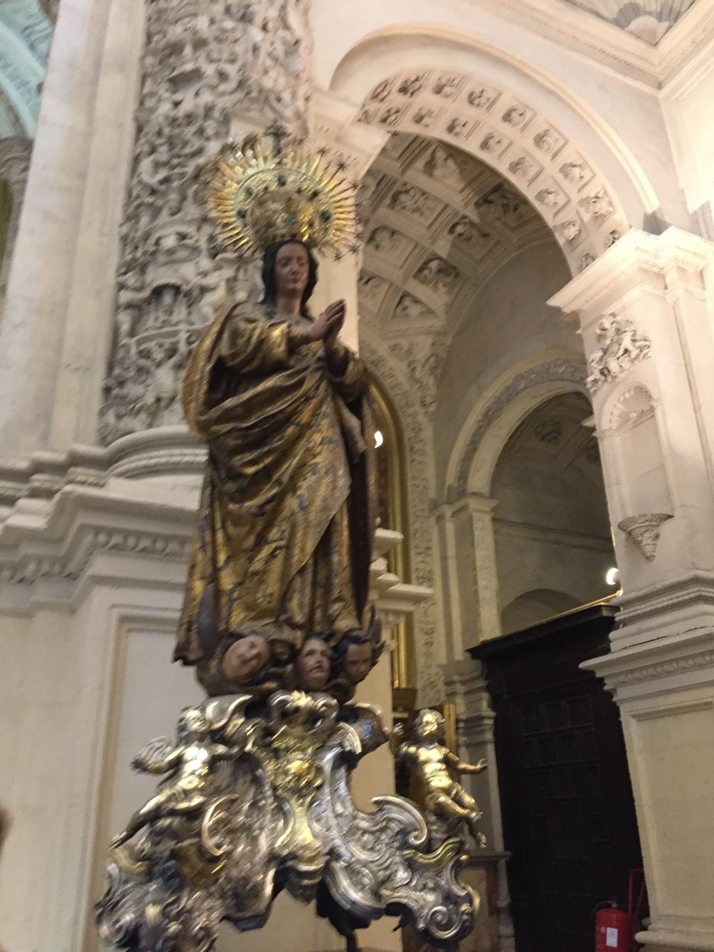 Santa de La Giralda, Esculturas em Sevilha