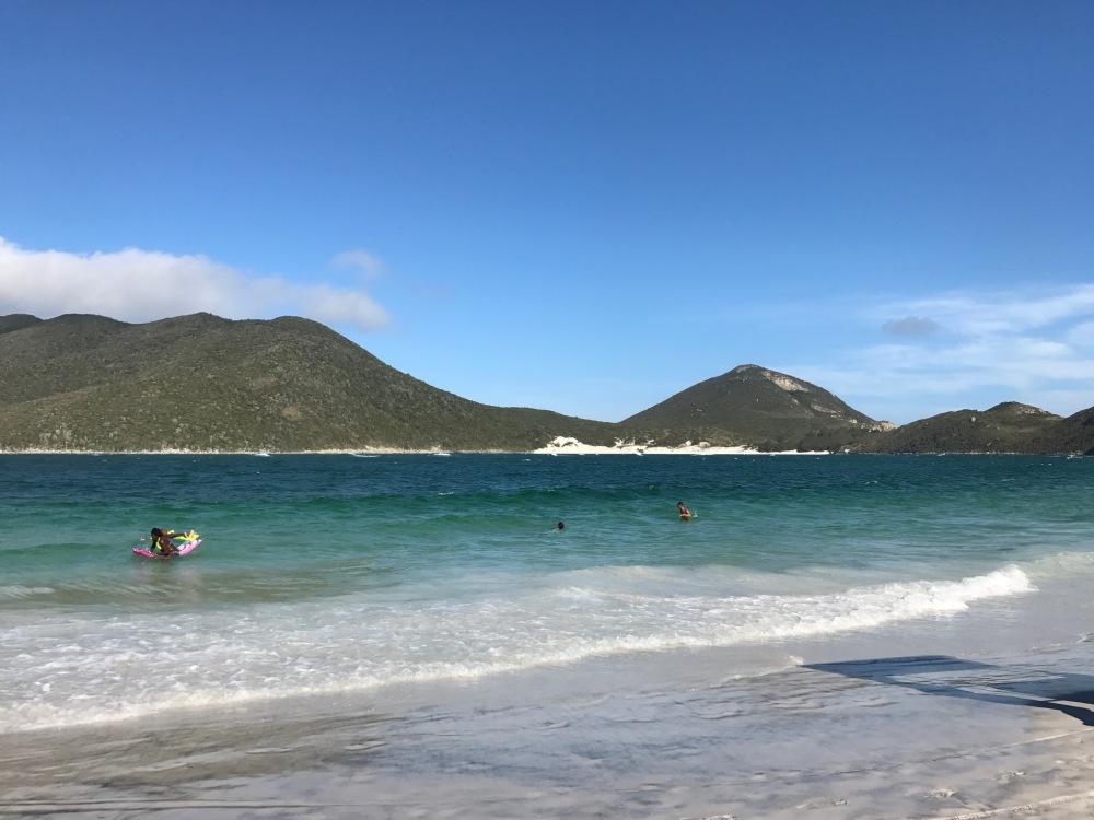 Uma das praias da cidade de Arraial do Cabo