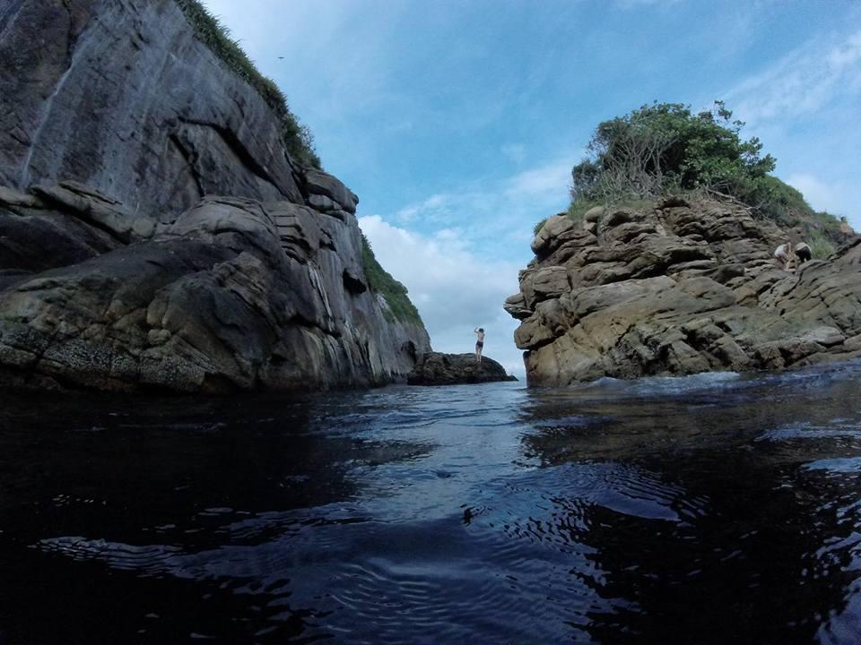 Saltando das Ilhas Tijucas na Barra da Tijuca