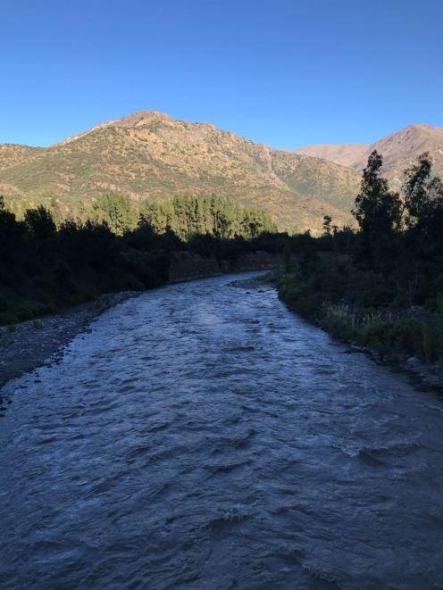 A força das correntezas no Cajón del Maipo no Chile