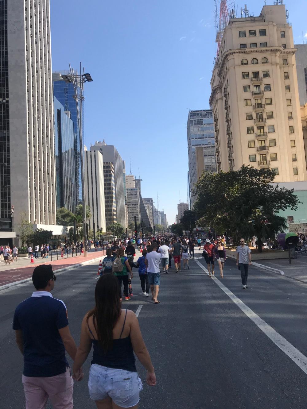 Passeio na Avenida Paulista em São Paulo