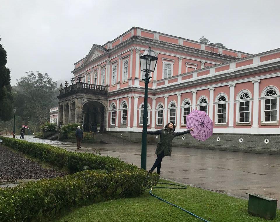 VIajandinhas em Petrópolis no jardim do museu