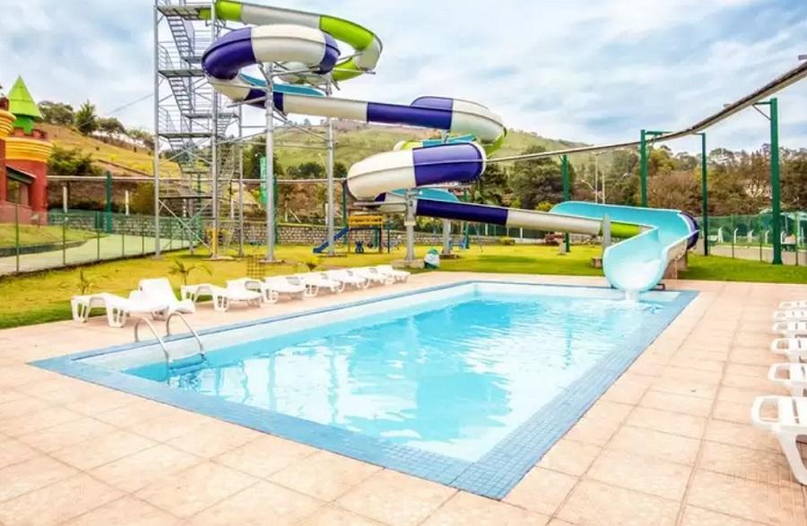 Thermos Resort Walter World e piscina em Minas Gerais