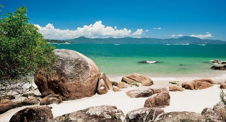 A famosa praia de Jurerê em Florianópolis