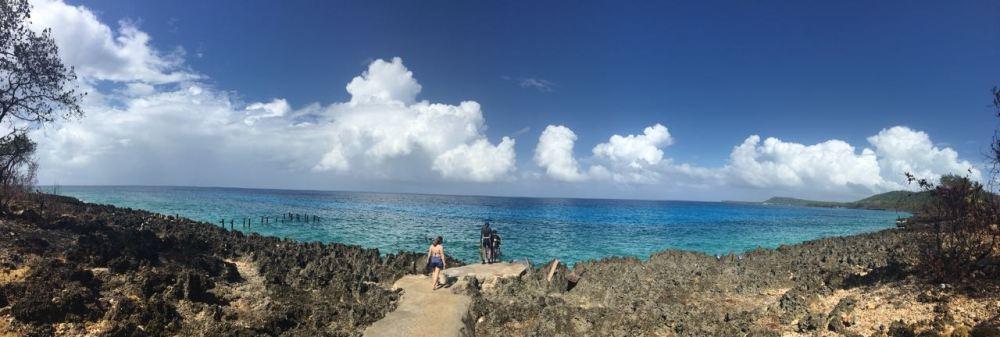 Praia de Sán Andrés com céu azul