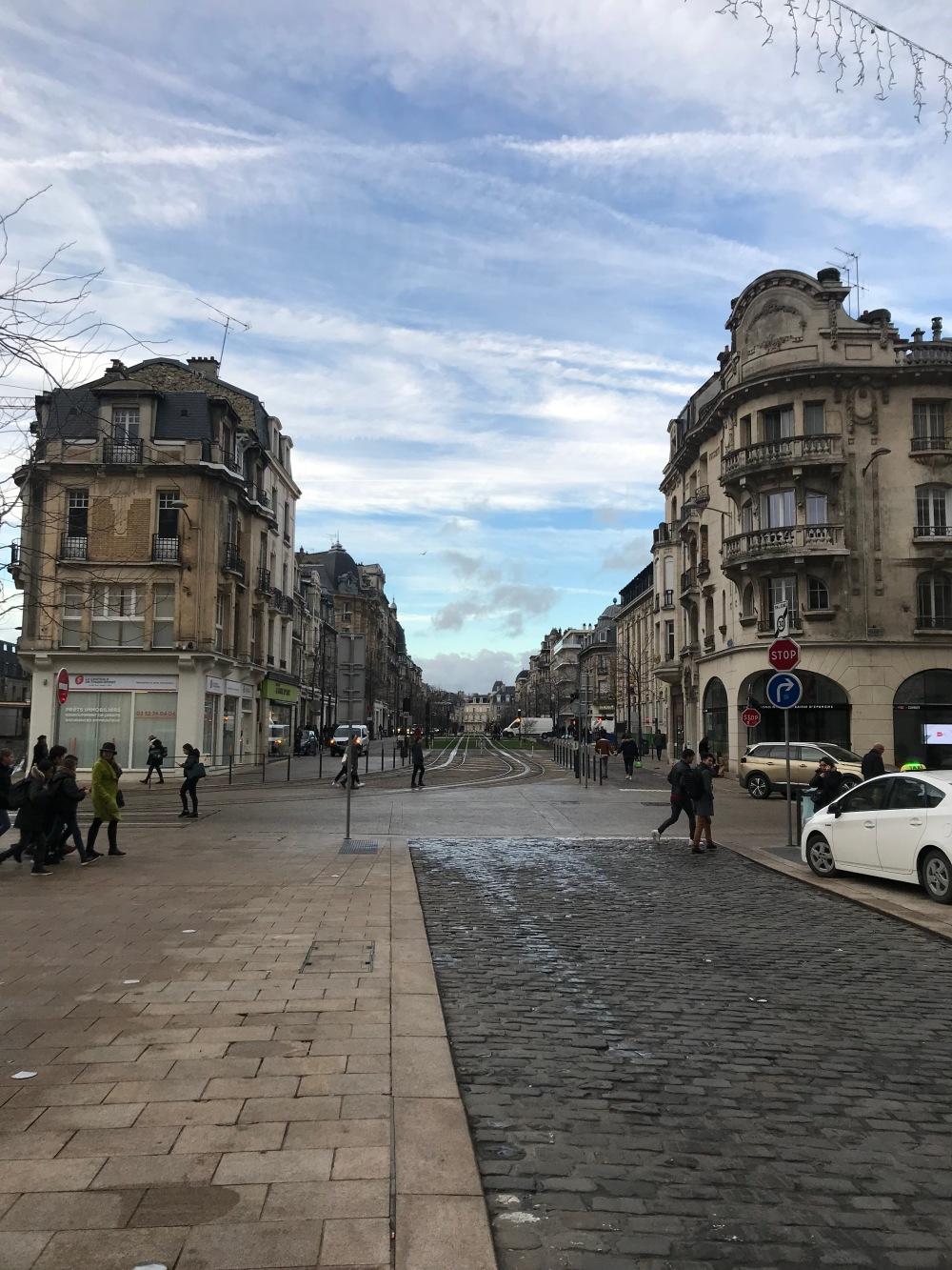 Ruas de Reims na França