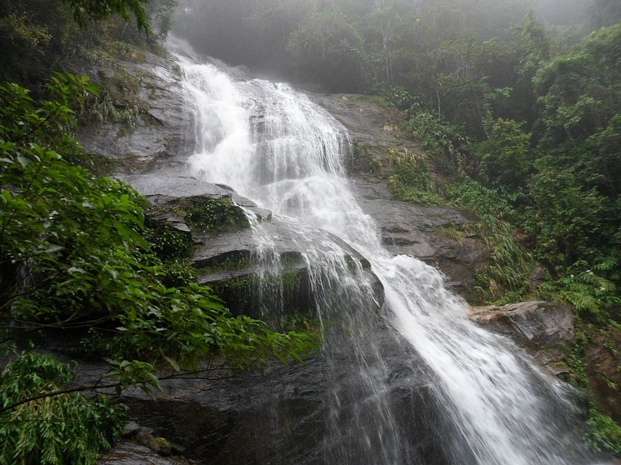 Cascata Floresta da Tijuca, dia nublado