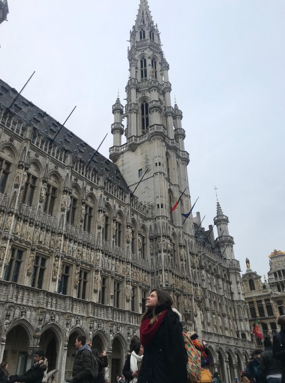 Viajandinhas na Grand Place na Bélgica