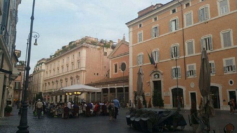 piazza-san-lorenzo-lucina