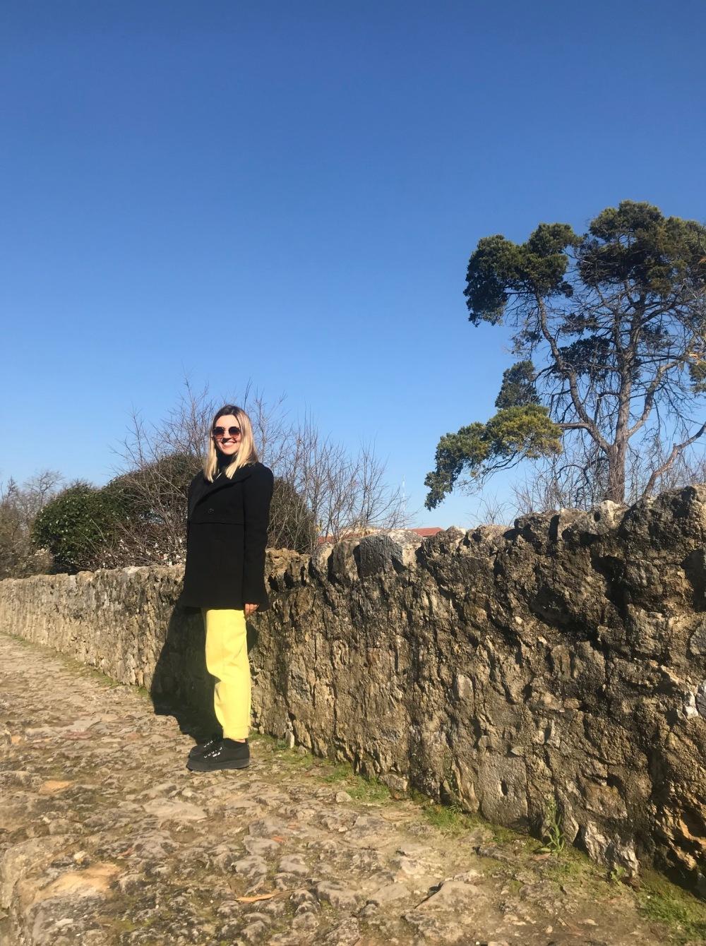 Viajandinha Bel no Castelo de São Jorge