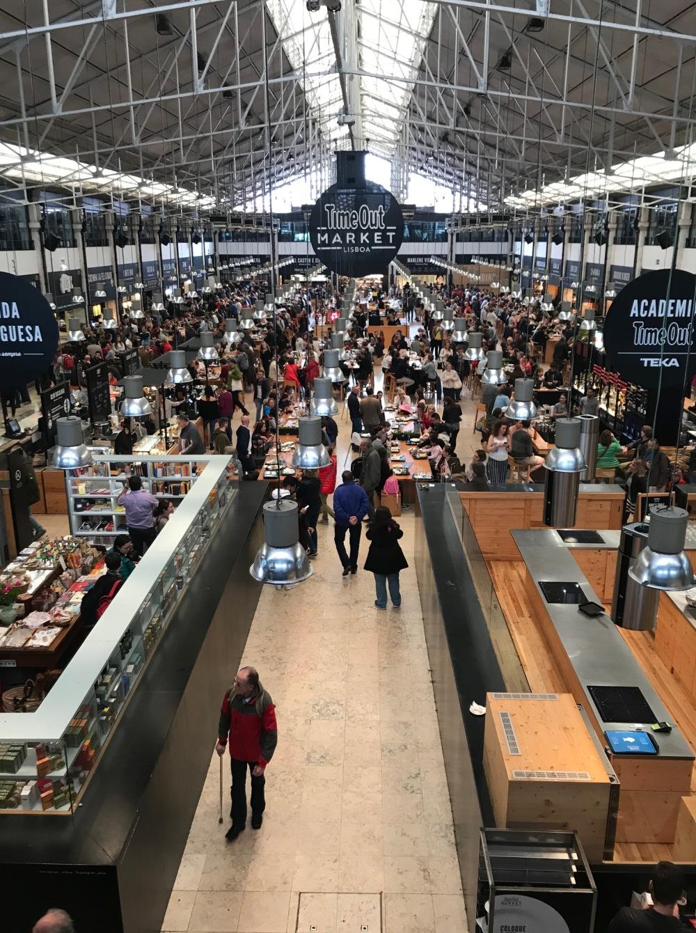 Vista por cima do Time Out Market de Lisboa