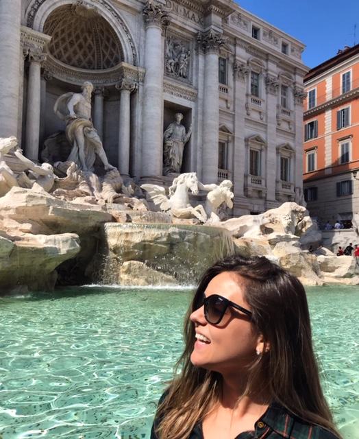 Viajandinhas na Fontana di Trevi em Roma