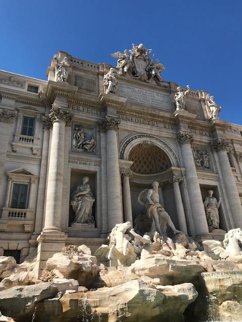 Netuno na Fontana di Trevi em Roma